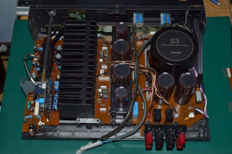 Wzmacniacz Sony TA-F670ES.
